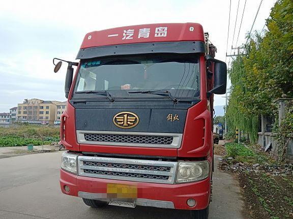 青岛解放其他车系 载货车  280匹 2013年10月 8x4