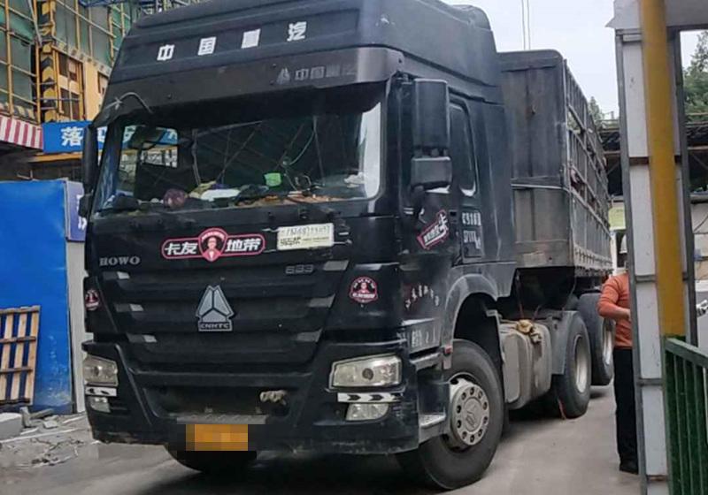 中国重汽HOWO 牵引车  336匹 2013年10月 6x4