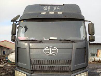 一汽解放J6P重卡 载货车  310匹 2014年10月 8x4