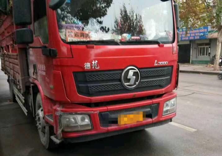 陕汽德龙L3000 载货车  185匹 2017年05月 4x2