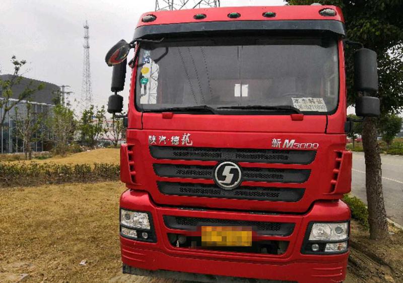 陕汽德龙新M3000 载货车  245匹 2016年02月 6x4