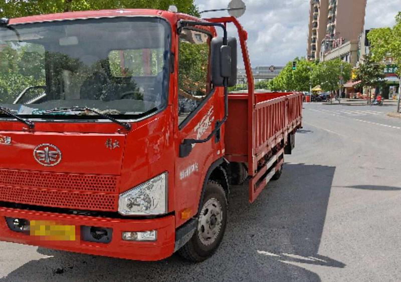 青岛解放其他车系 载货车  140匹 2017年09月 4x2