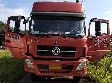 东风天龙 载货车  290匹 2015年09月 8x4