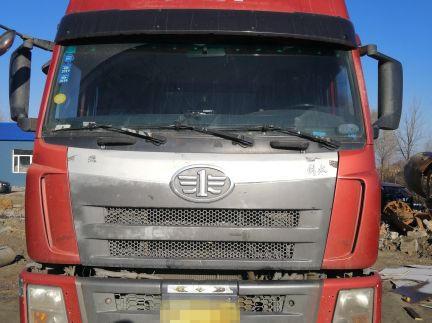 一汽解放其他车系 牵引车  330匹 2010年08月 6x4