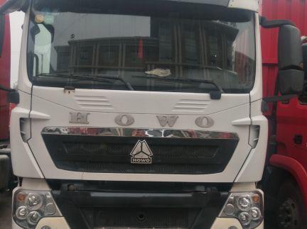 中国重汽HOWO 载货车  240匹 2015年02月 6x2