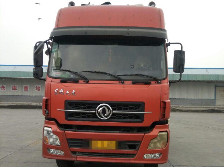 东风天龙 载货车  315匹 2013年01月 8x4