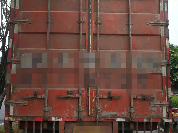 东风天龙 载货车  336匹 2009年05月 8x4