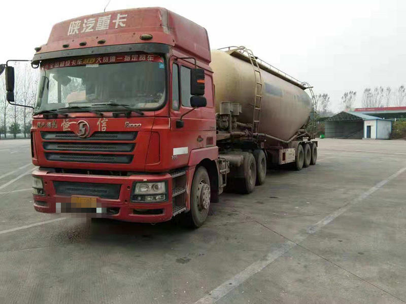 陕汽德龙F3000 牵引车  380匹 2011年03月 6x4