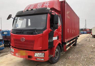 一汽解放J6 载货车  160匹 2015年01月 4x2