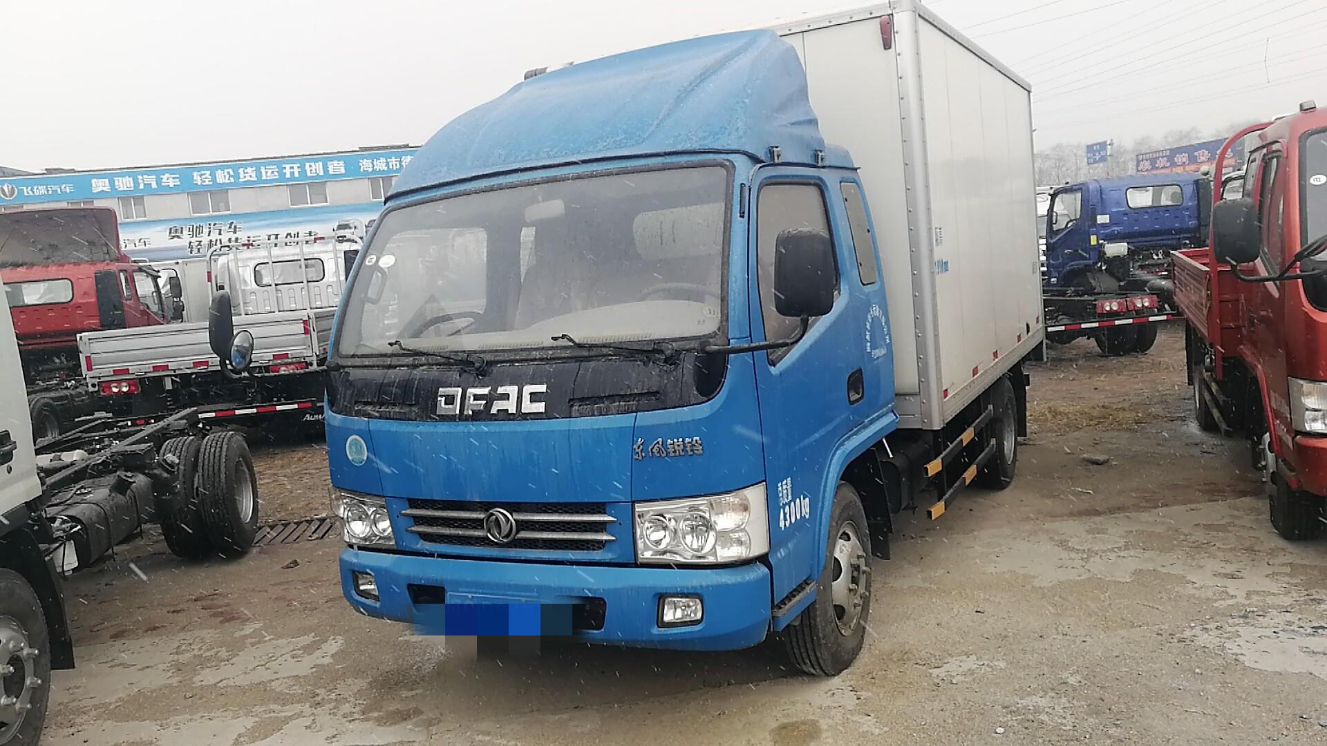 東風多利卡多利卡D5 載貨車  110匹 2017年08月 4x2