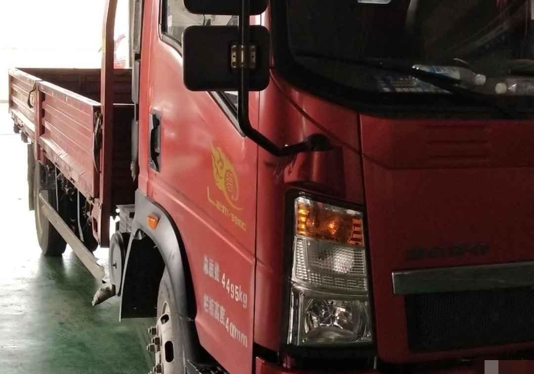 中國重汽HOWO 載貨車  150匹 2015年07月 4x2