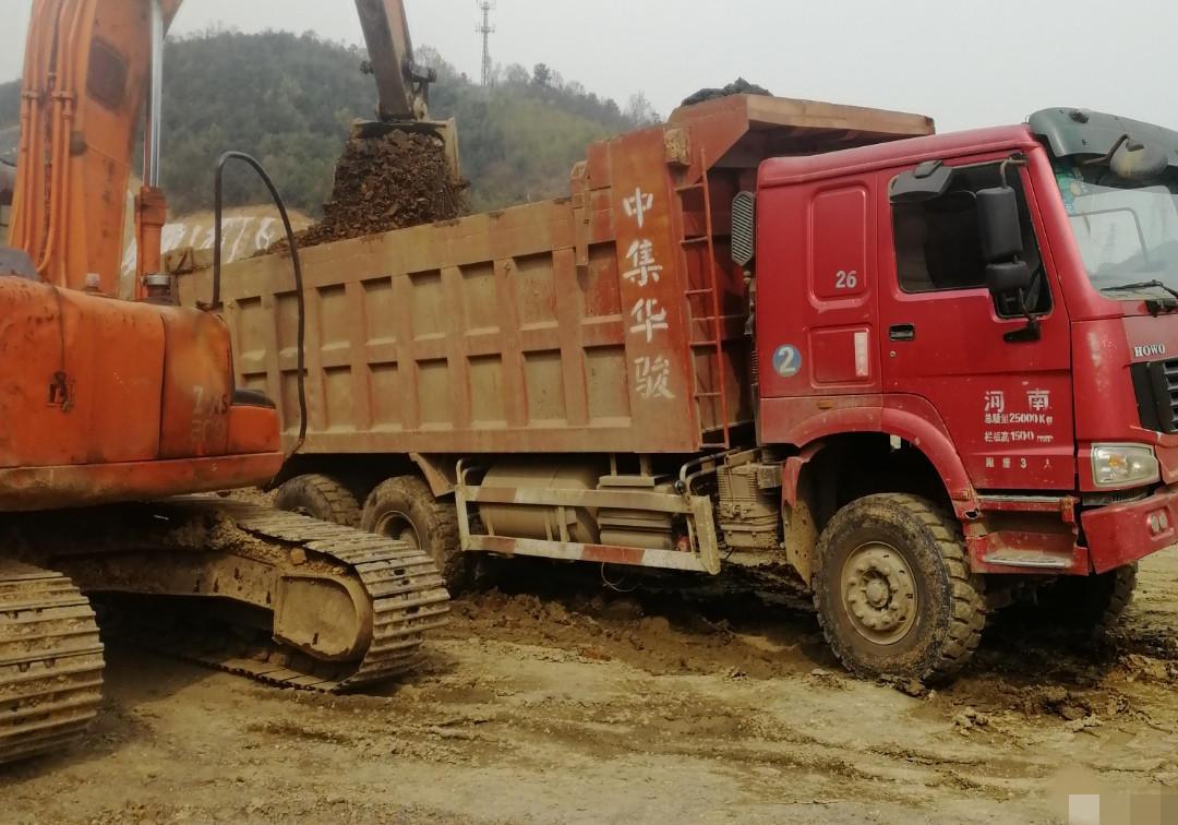 中國重汽HOWO 自卸車  340匹 2011年04月 6x4