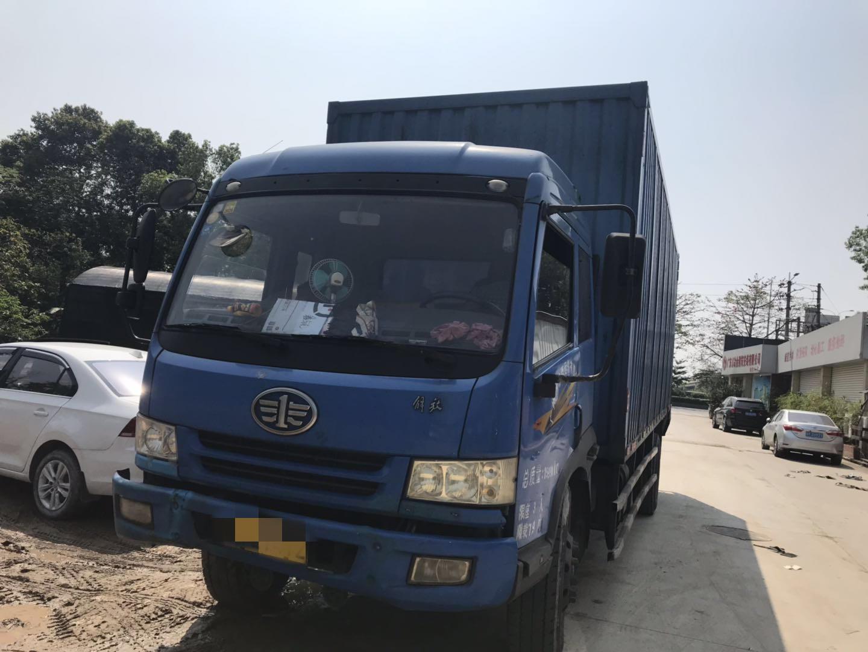 一汽解放J6 載貨車  180匹 2013年08月 4x2