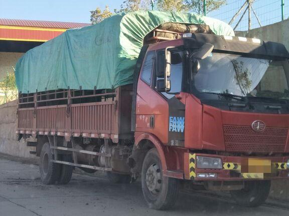 一汽解放J6 载货车  220匹 2013年01月 4x2