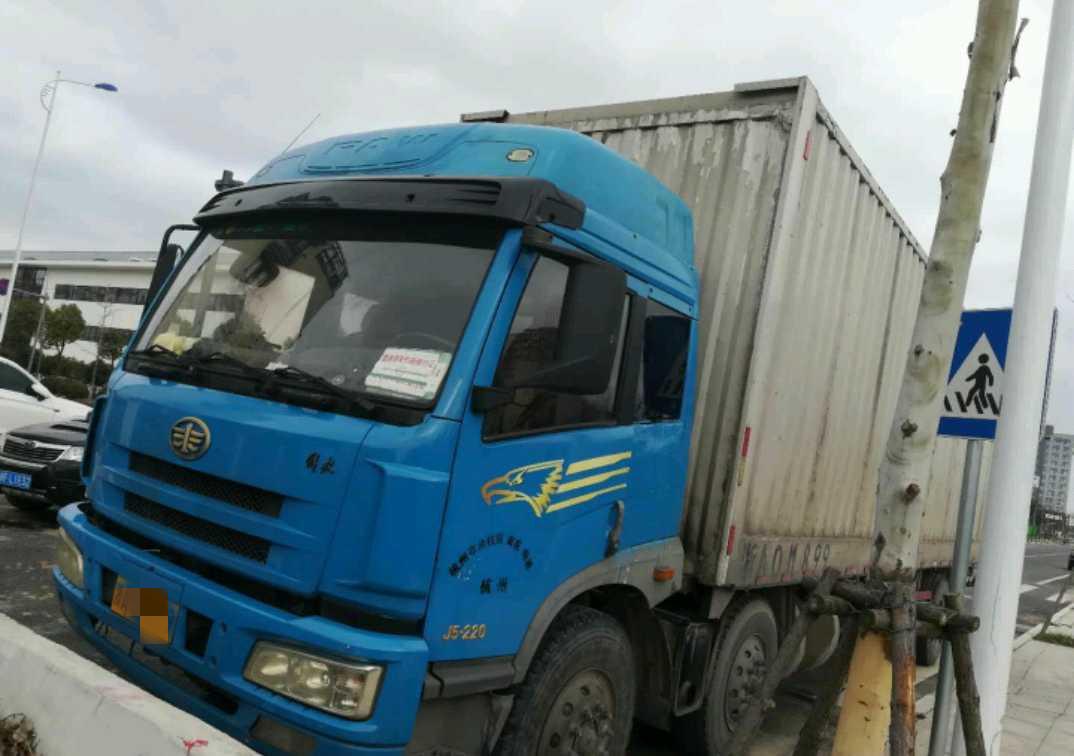 青島解放其他車系 載貨車  220匹 2010年09月 4x2