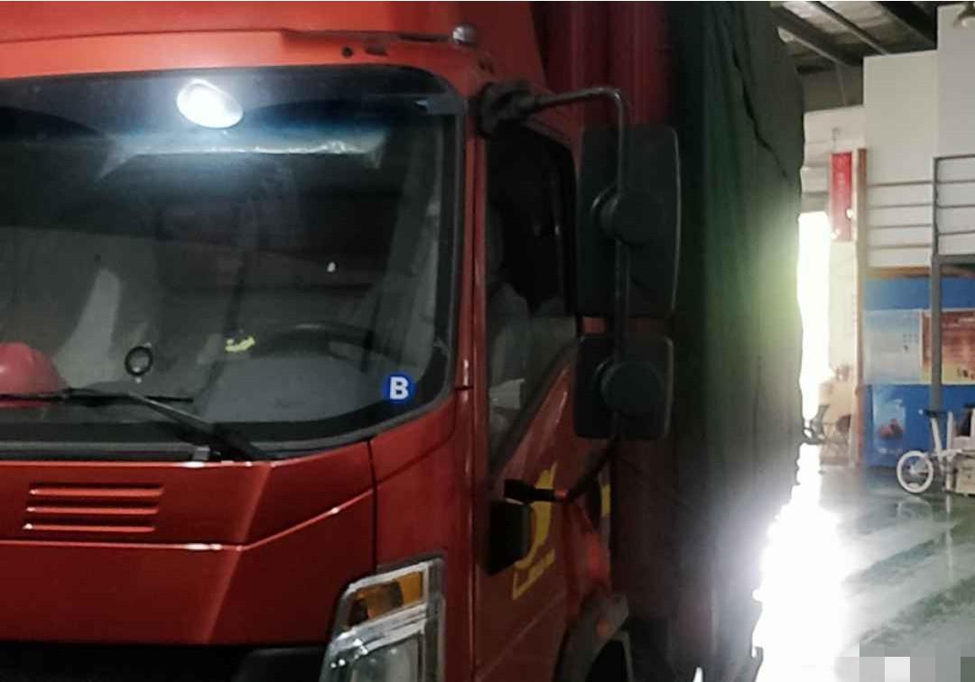 中国重汽HOWO 载货车  150匹 2019年02月 4x2