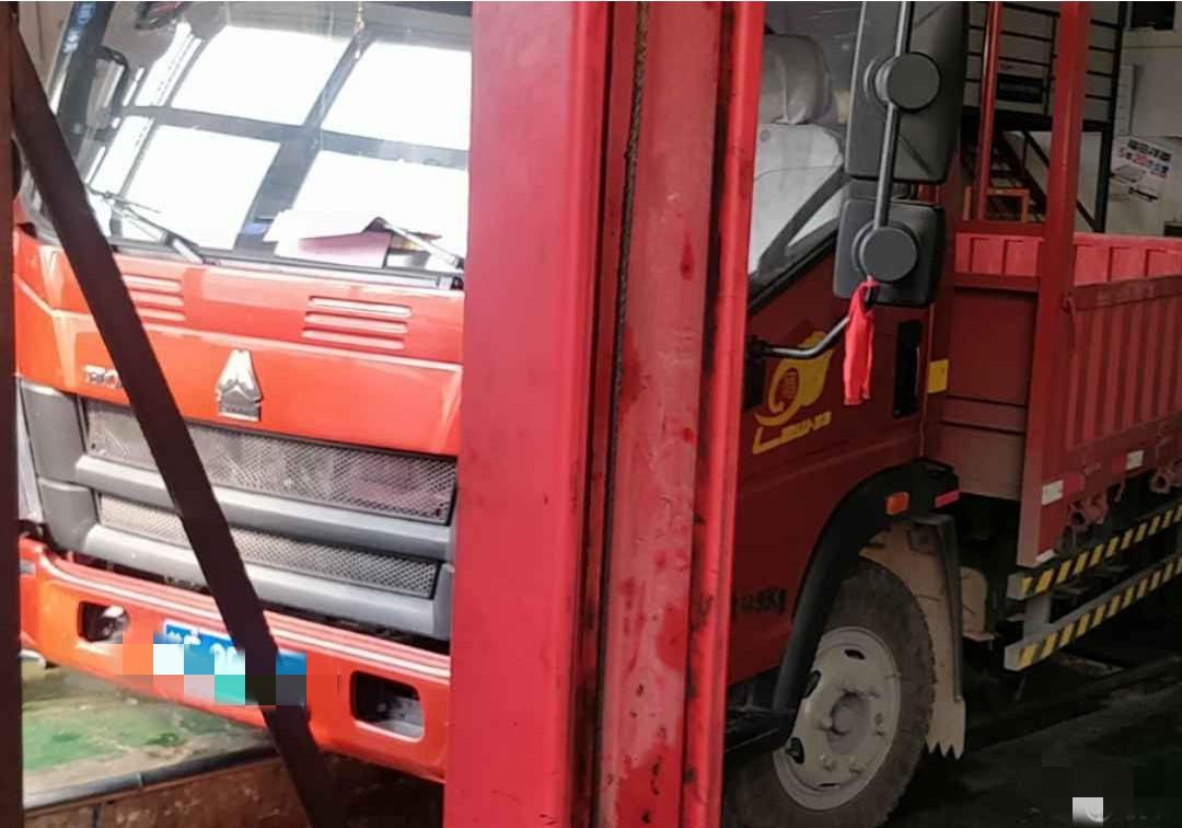 中国重汽HOWO 载货车  130匹 2019年03月 4x2