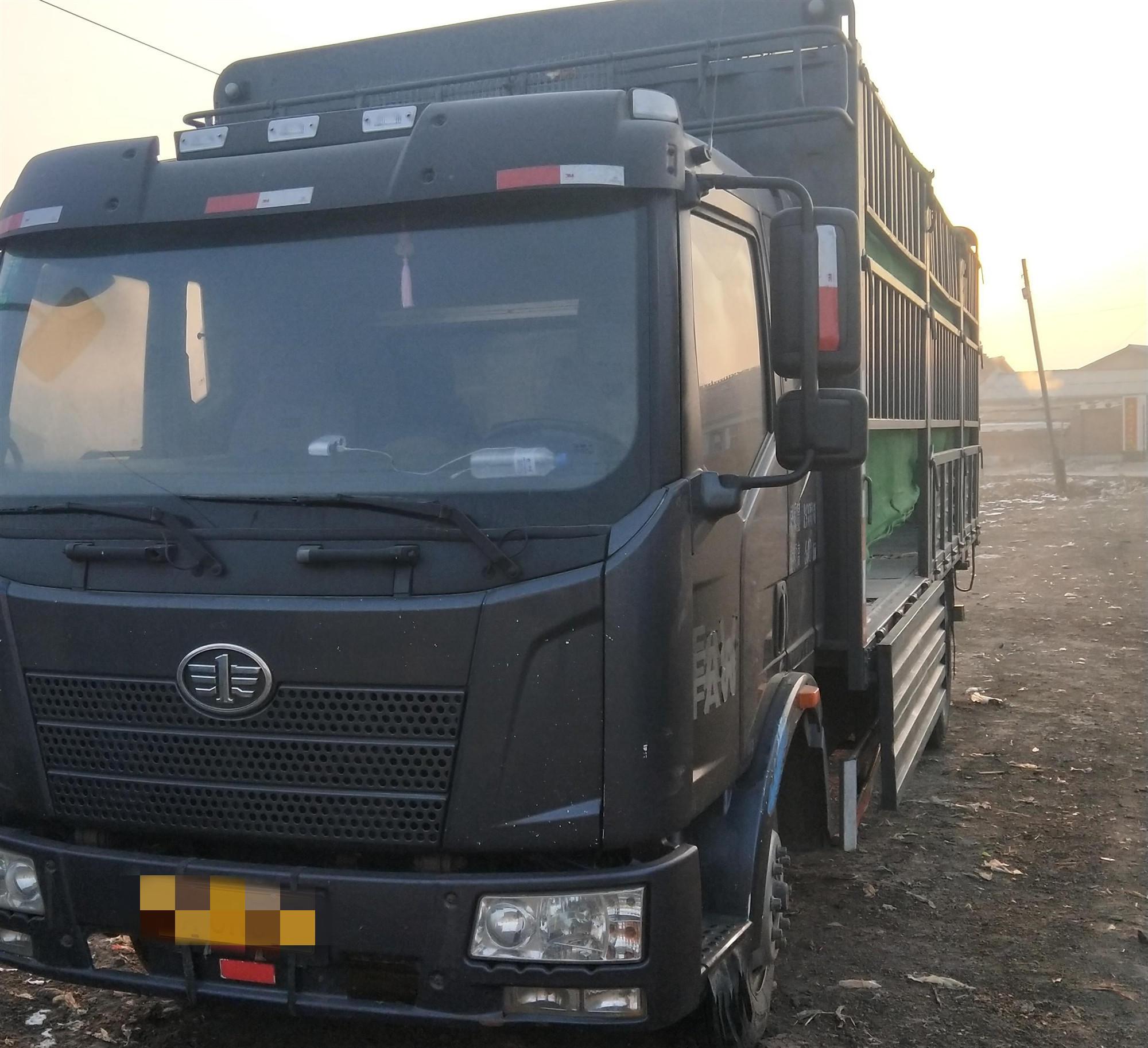 一汽解放J6 載貨車  180匹 2013年06月 4x2