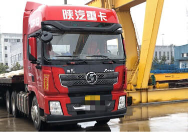 陜汽德龍X3000 牽引車  550匹 2018年03月 6x4