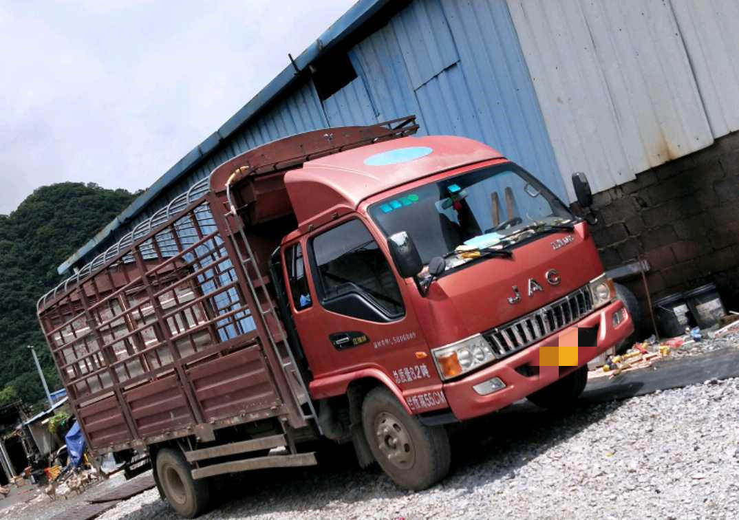 江淮格尔发K5L中卡 标载型 载货车  140匹 2014年07月 4x2