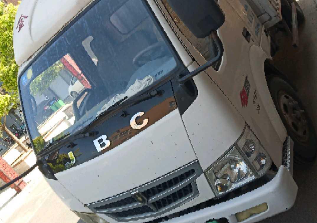 #其他品牌 载货车  98匹 2011年01月 4x2