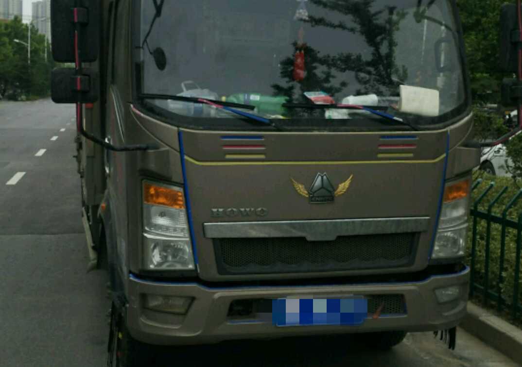 中國重汽HOWO 載貨車  129匹 2015年03月 4x2