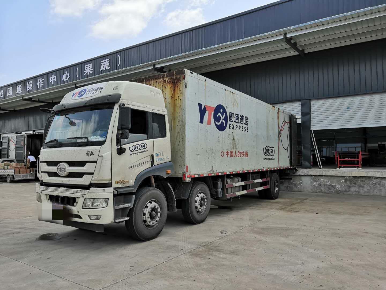青島解放其他車系 載貨車  180匹 2015年11月 6x2