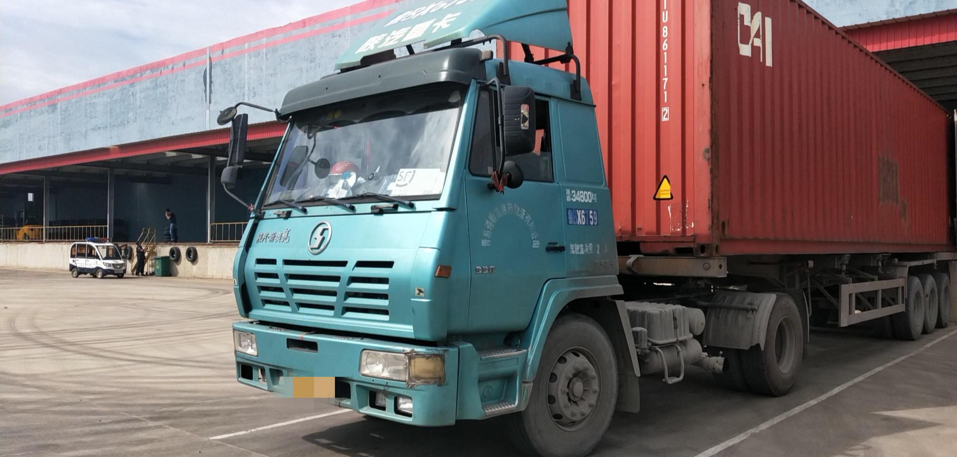 陕汽奥龙 牵引车  310匹 2014年12月 4x2