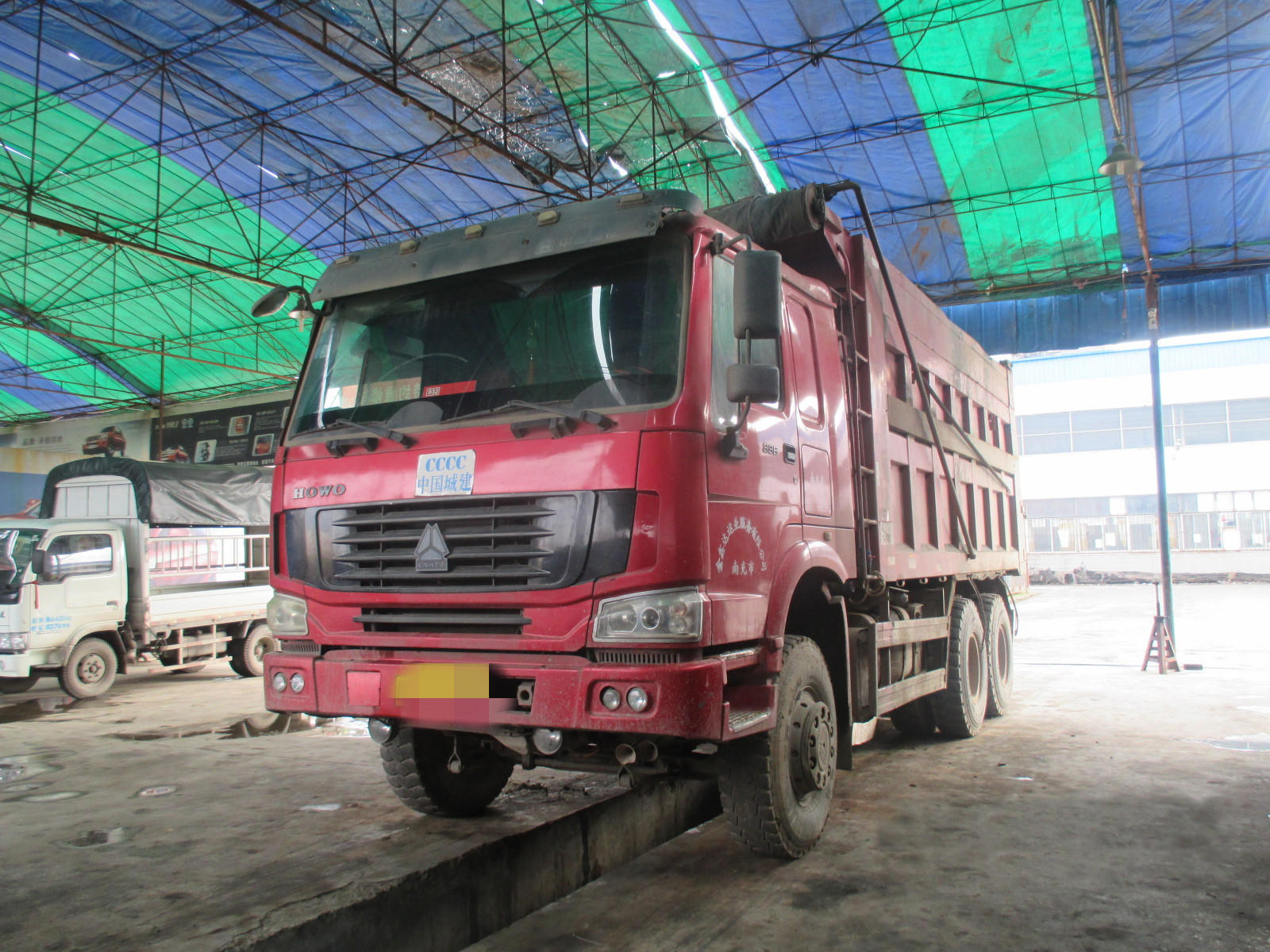 中国重汽HOWO 自卸车  330匹 2011年01月 6x4