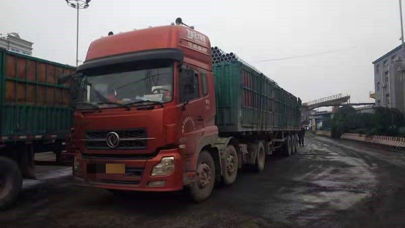 东风天龙 牵引车  400匹 2013年12月 6x4