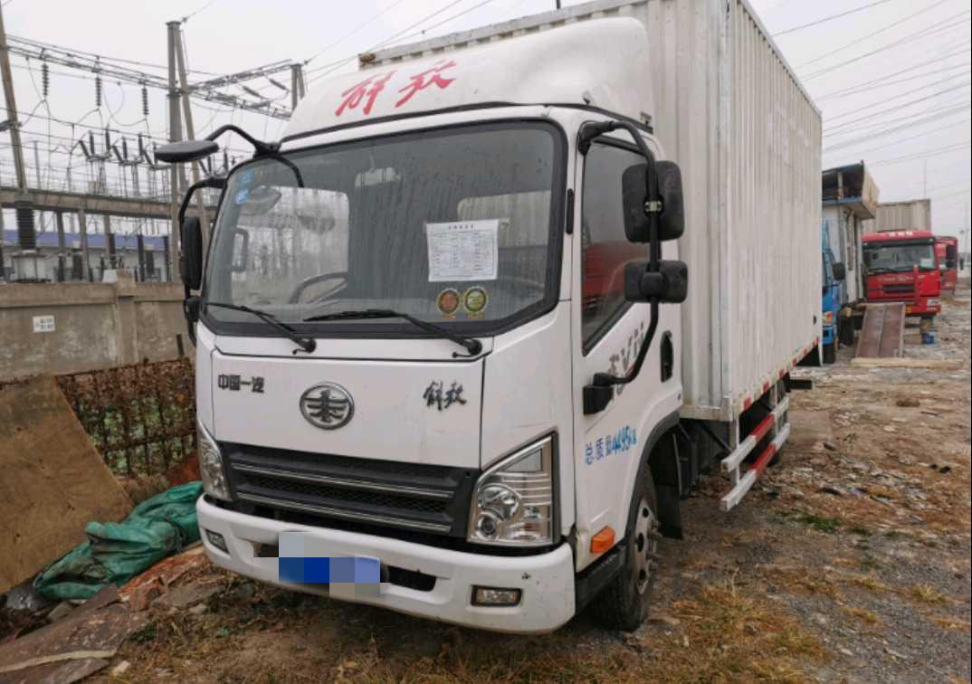 青島解放其他車系 載貨車  95匹 2018年01月 4x2