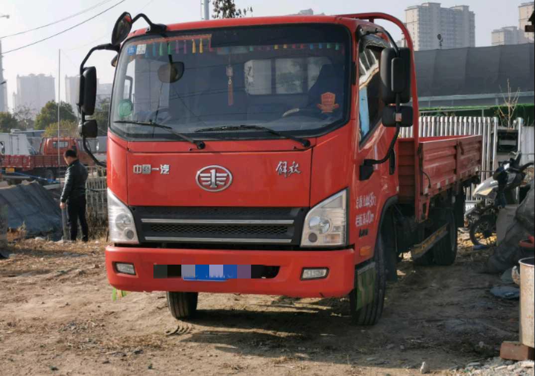 青島解放其他車系 載貨車  95匹 2017年07月 4x2