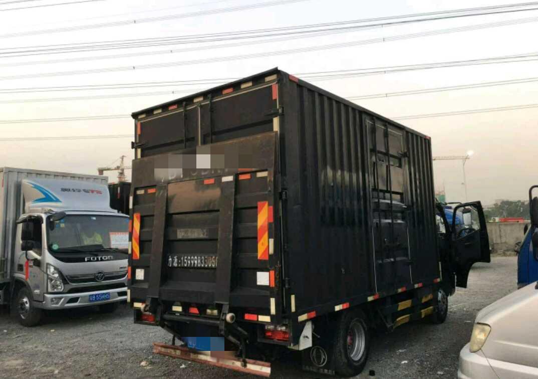 #其他品牌 载货车  150匹 2017年12月 4x2