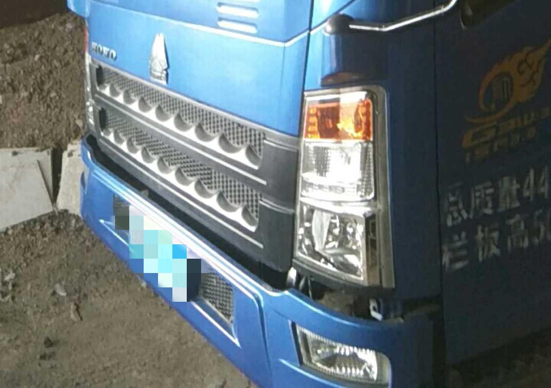 中国重汽HOWO 载货车  156匹 2017年06月 4x2