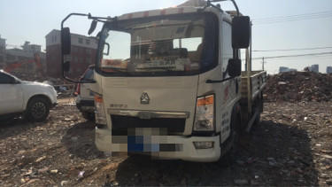 中國重汽HOWO 載貨車  95匹 2017年02月 4x2