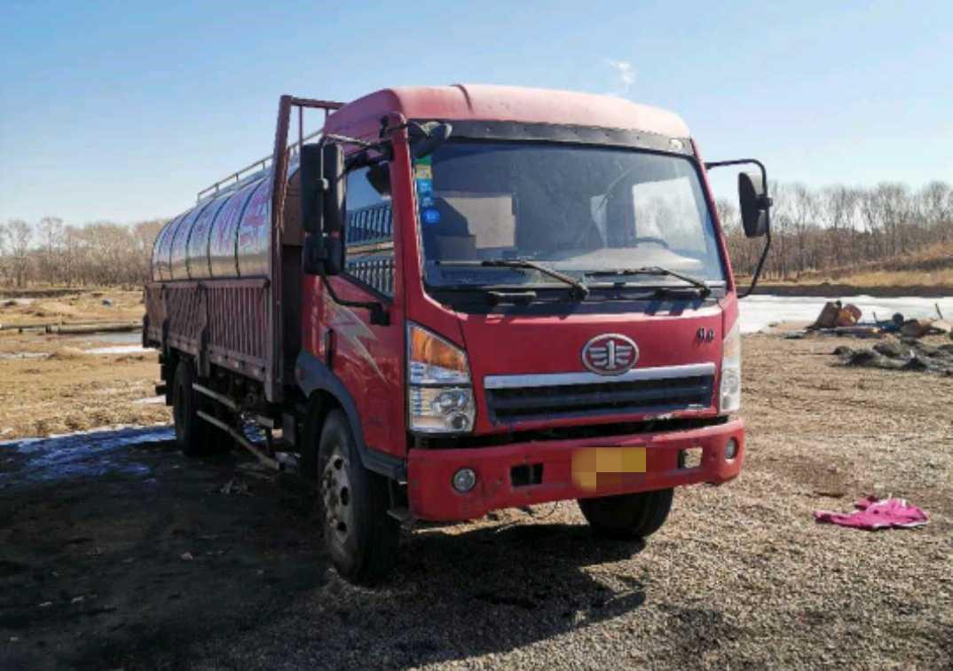 一汽解放其他车系 载货车  140匹 2011年09月 6x2