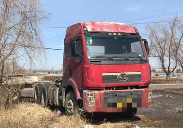 一汽解放其他车系 牵引车  340匹 2012年03月 6x2