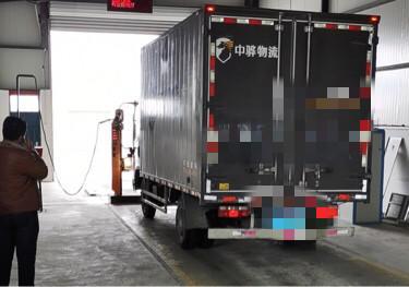 青島解放其他車系 載貨車  108匹 2017年05月 4x2