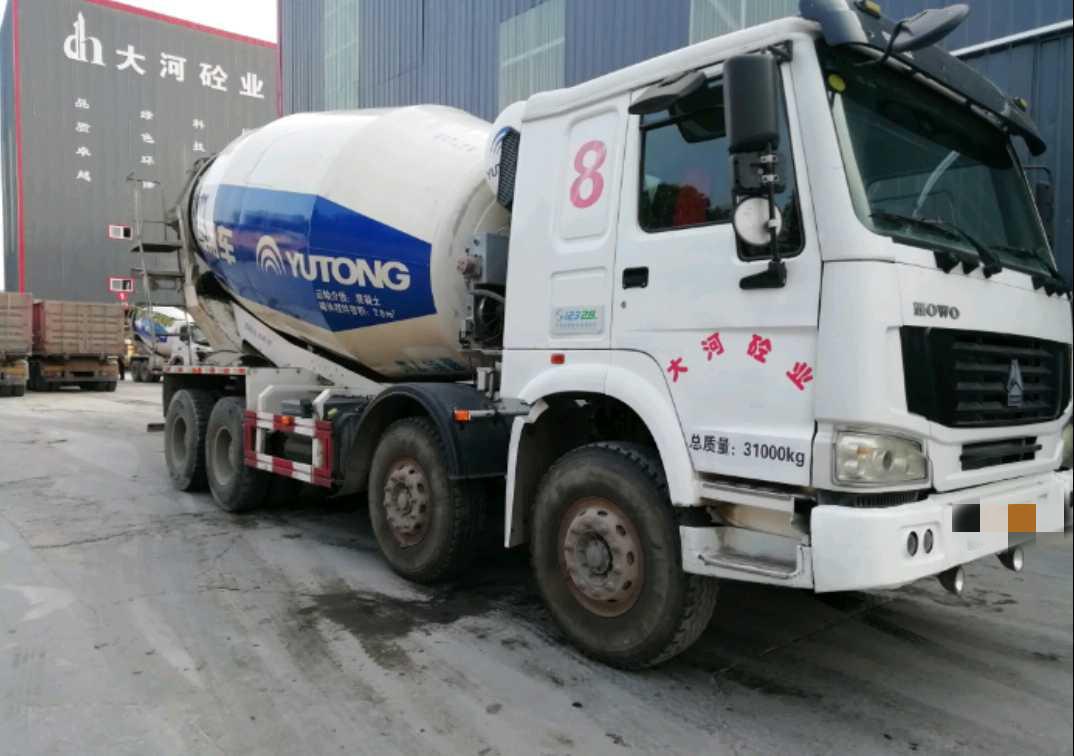 中國重汽HOWO 混凝土攪拌車  380匹 2013年09月 8x4