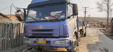 青島解放悍V 載貨車  240匹 2013年10月 6x4