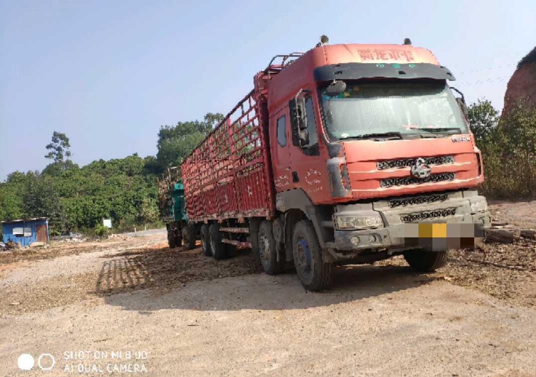 東風霸龍 載貨車  310匹 2013年05月 8x4