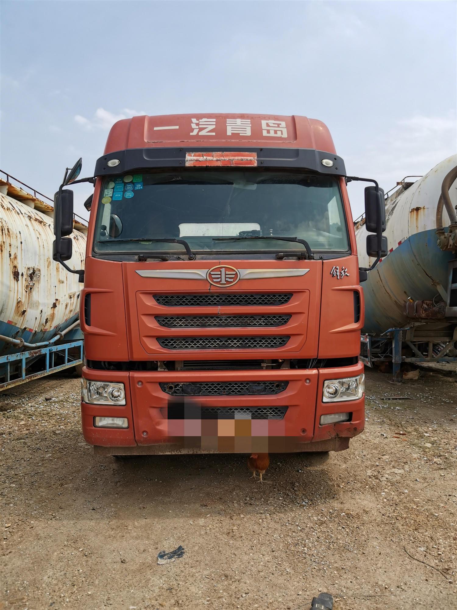 青岛解放其他车系 牵引车  390匹 2015年01月 6x4