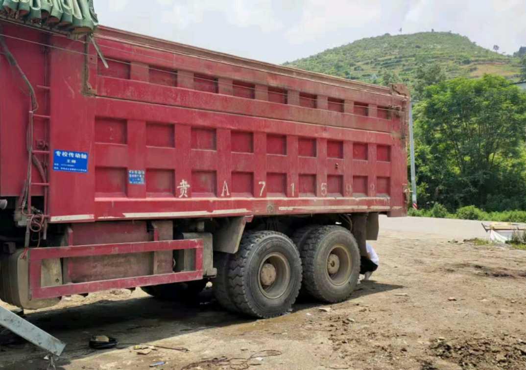 中國重汽HOWO 自卸車  336匹 2012年05月 6x4