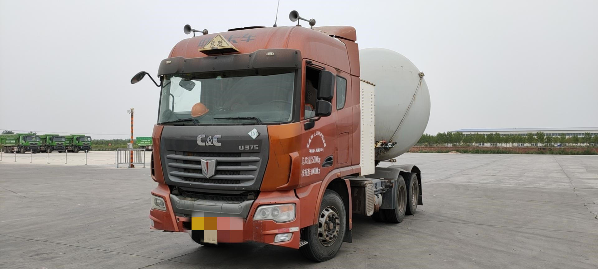 聯合卡車其他車系 牽引車  375匹 2013年08月 6x4