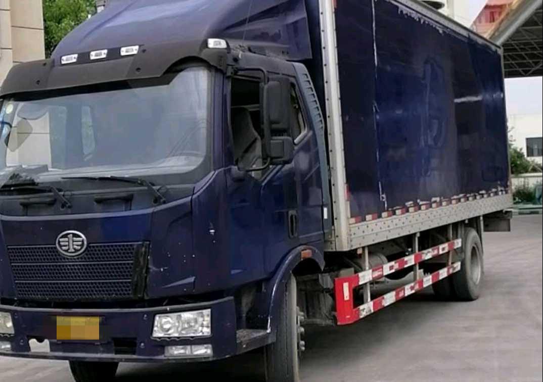 一汽解放J6P重卡 載貨車  180匹 2014年07月 4x2