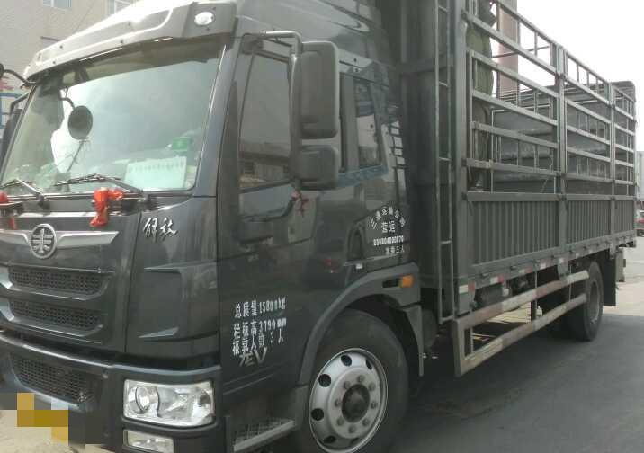 青島解放龍V 載貨車  180匹 2015年04月 4x2