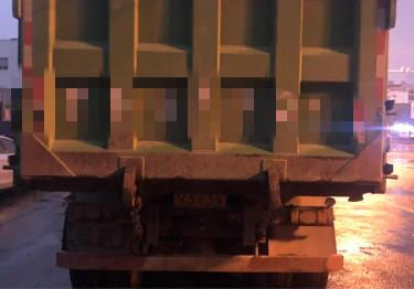 上汽紅巖新金剛 自卸車  350匹 2019年04月 8x4