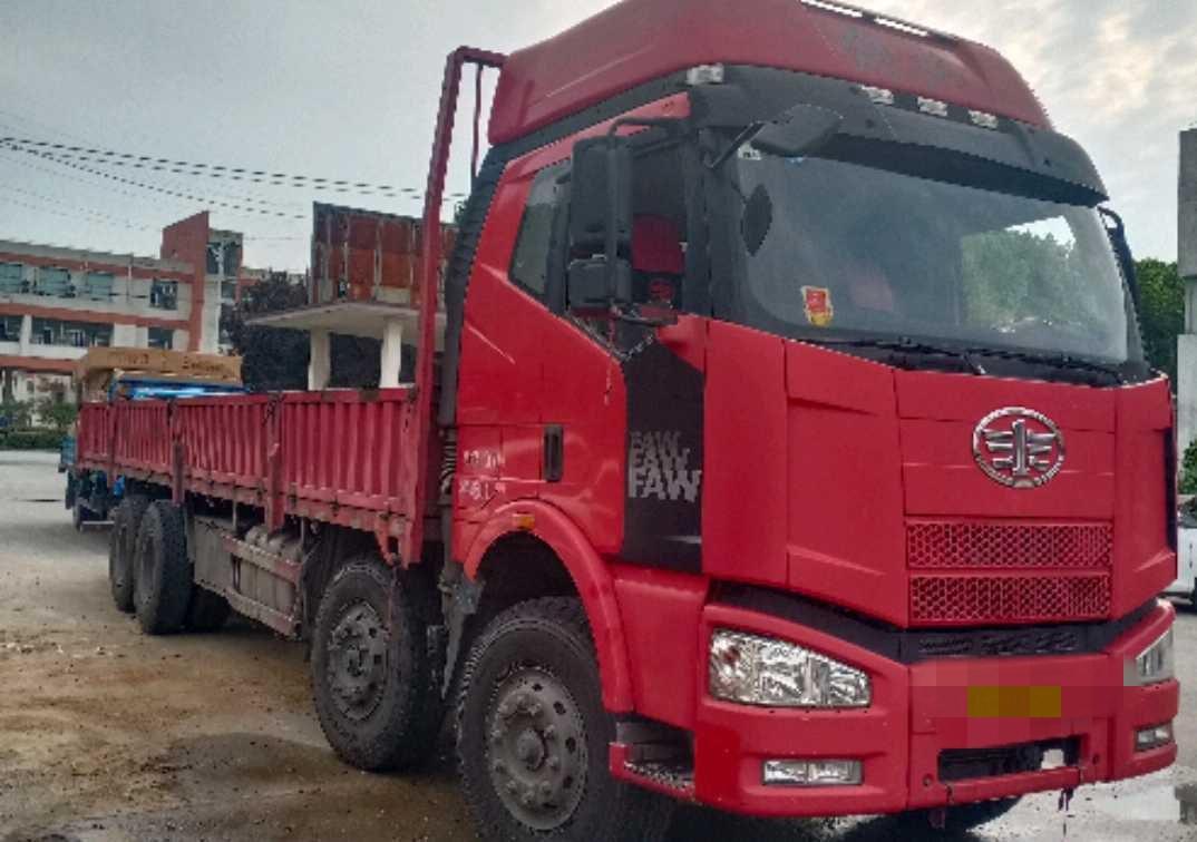 一汽解放J6M重卡 载货车  280匹 2014年05月 8x4
