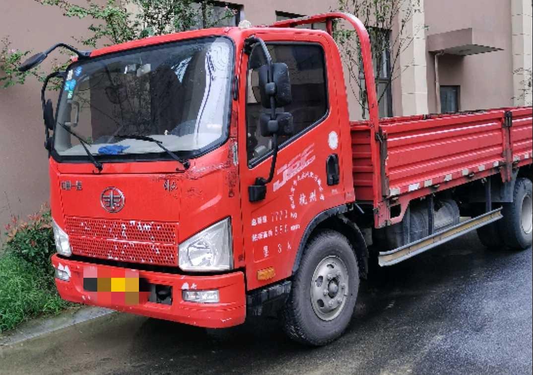 一汽解放J6L中卡 標載型 載貨車  113匹 2016年03月 4x2