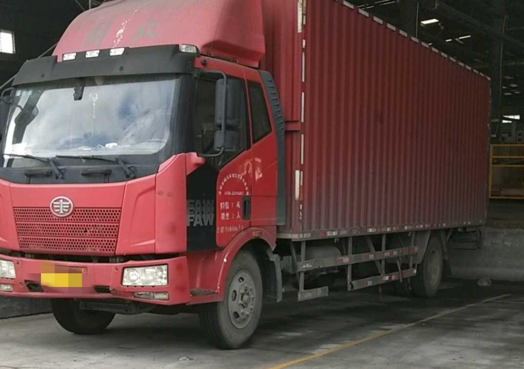 一汽解放J6 載貨車  160匹 2014年01月 4x2